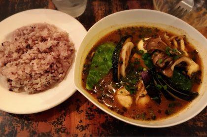 牡蠣と舞茸のスープカレー